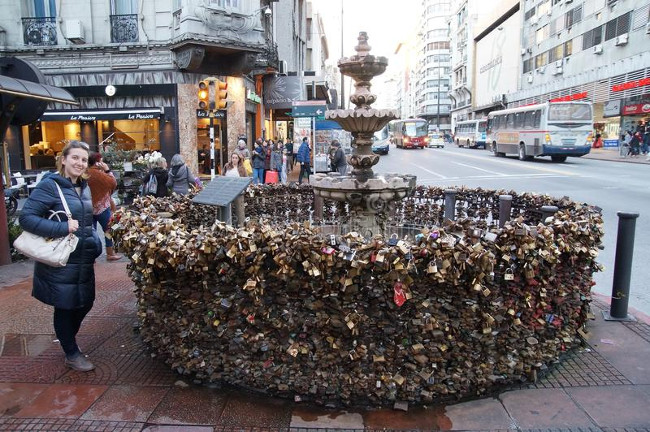 love locks fountain